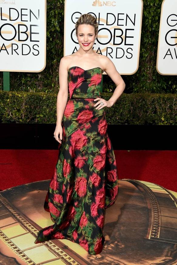 blog ana suero-Alfombra roja Globos Oro 2016-Rachel McAdams vestido Lanvin estampado palabra honor