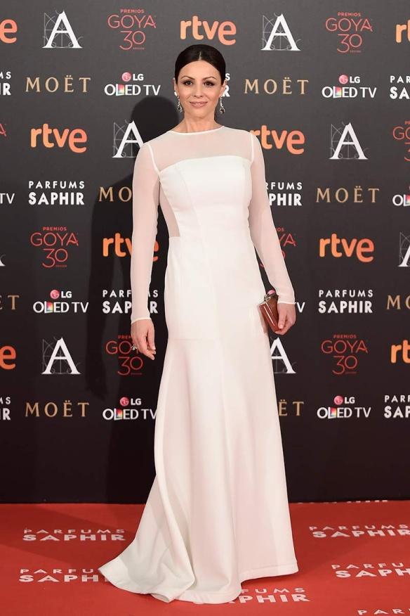 el blog de ana suero-Goyas 2016-Ana Alvarez vestido largo blanco tul Lorenzo Caprile