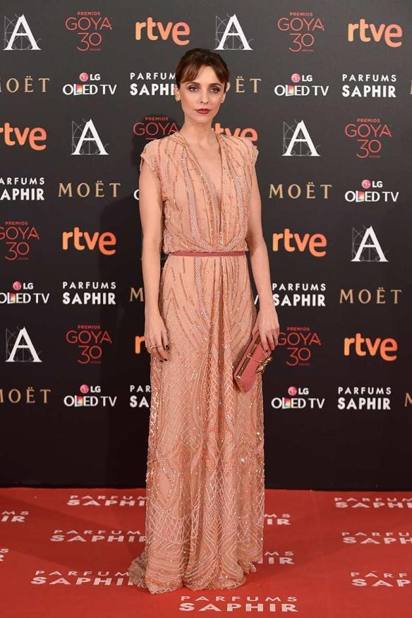 el blog de ana suero-Goyas 2016-Leticia Dolera vestido pedreria salmon Dolores Promesas