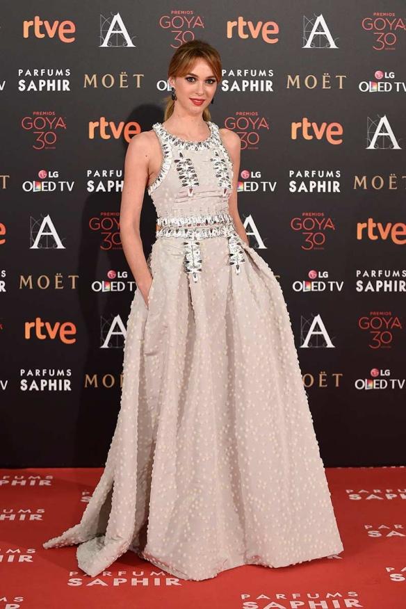 el blog de ana suero-Goyas 2016-Marta Hazas falda crop top pedreria Carolina Herrera