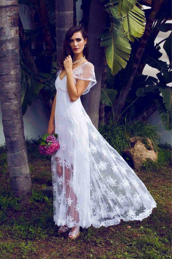 el blog de ana suero-Vestidos novia 2016-Charo Ruiz vestido con sobre capa transparente bordada