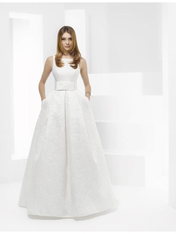 el blog de ana suero-Vestidos novia 2016-Pepe Botella vestido clasico dos telas lazo zapatero