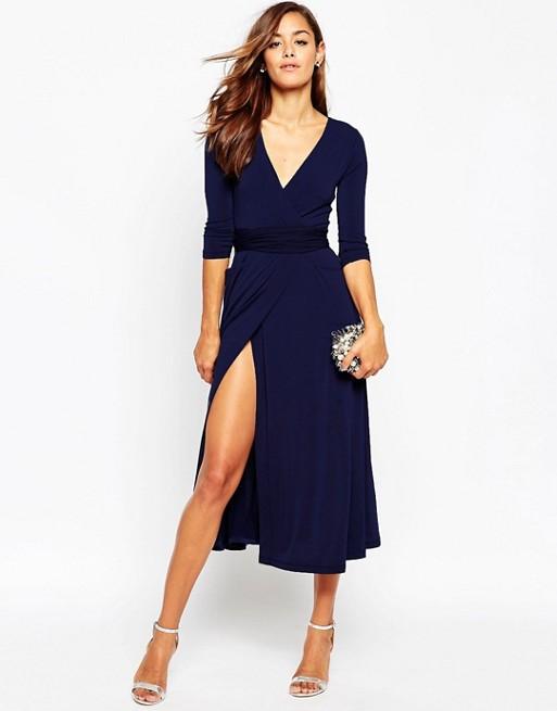 Como combinar un vestido azul marino para boda