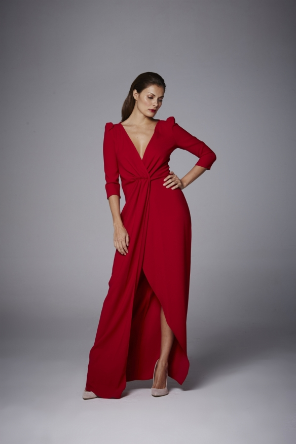 el-blog-ana-suero-invitadas-boda-otono-2016-coosy-vestido-largo-rojo-manga-larga-abertura