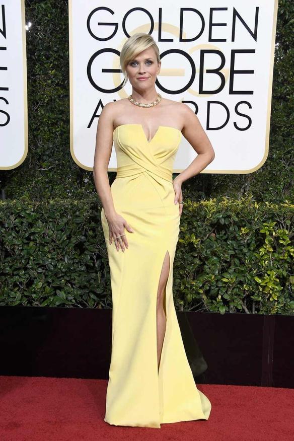 elblogdeanasuero-alfombra-roja-globos-oro-2017-reese-whiterspoon-vestido-amarillo-palabra-honor-nina-ricci
